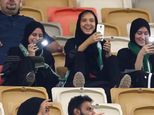 ВСаудовской Аравии появился 1-ый  женский автосалон