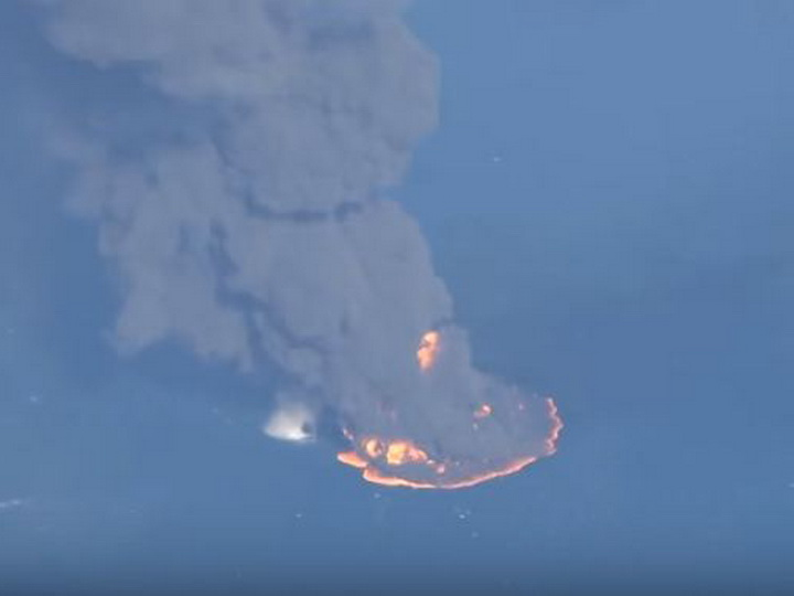 Найдены тела 2-х  моряков горящего иранского танкера