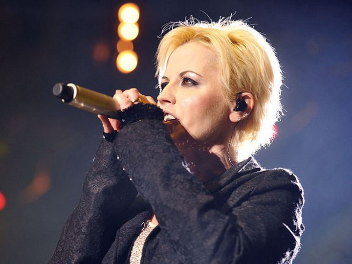 Смерть солистки The Cranberries назвали необъяснимой