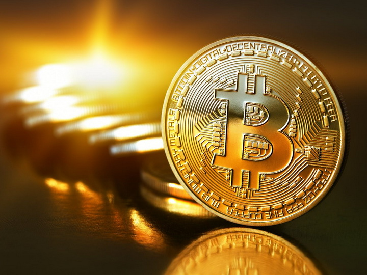 Курс биткоина упал ниже 10 тысяч долларов