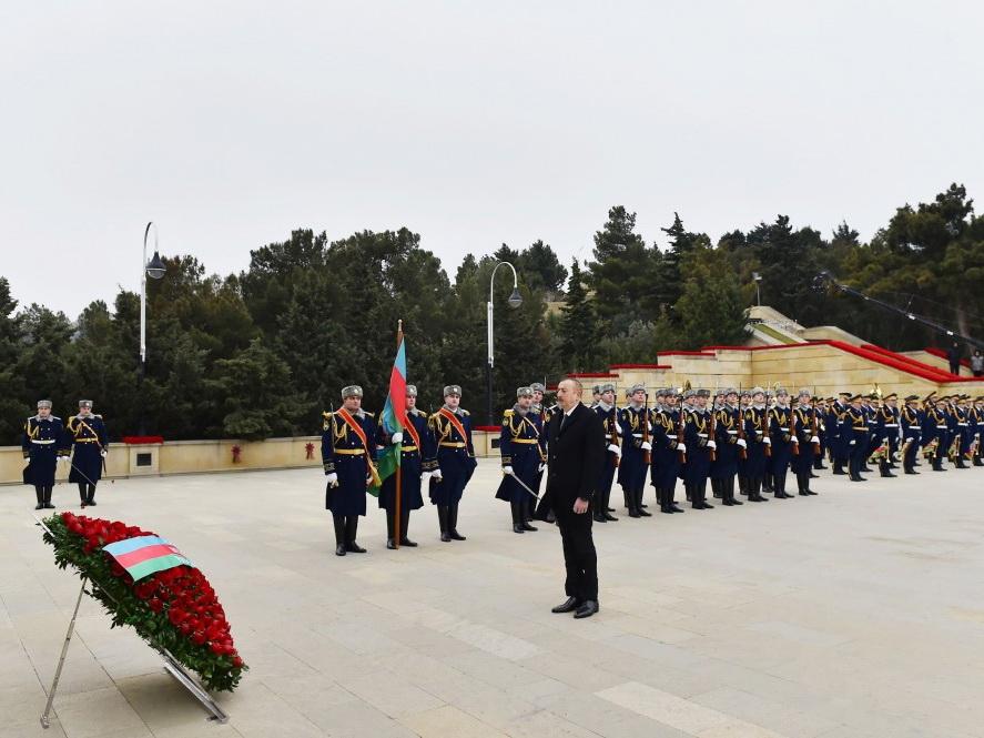 Ильхам Алиев почтил светлую память шехидов 20 Января - ФОТО