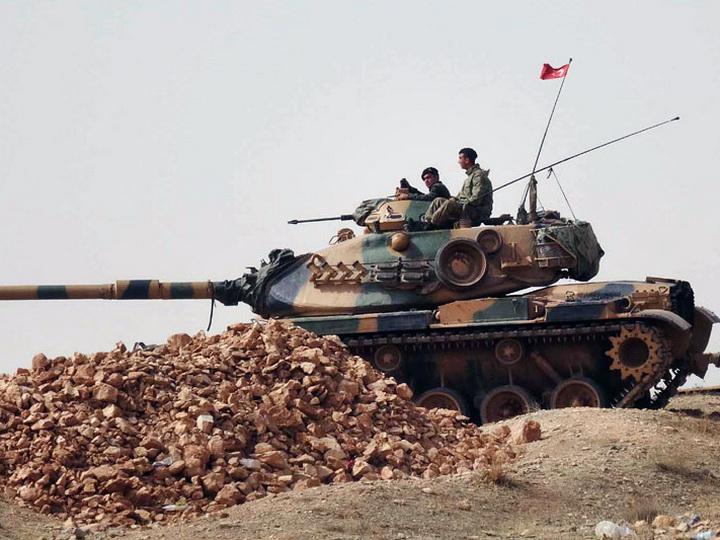 Турция перебросила на границу с Сирией отряды спецназа и танки для поддержки операции против террористов в Африне