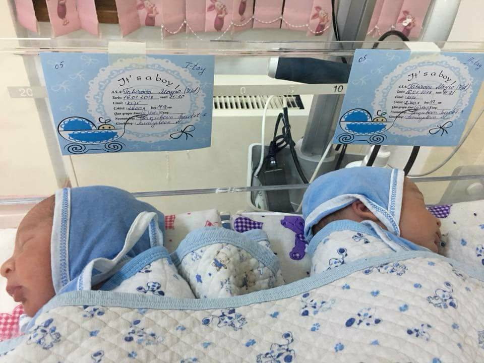 В Азербайджане 52-летняя женщина родила двойню – ФОТО