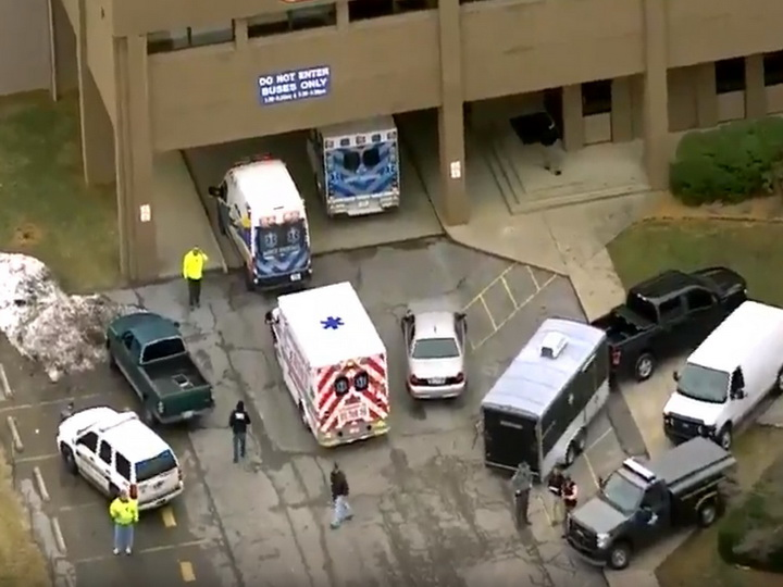 Число жертв стрельбы в школе в Кентукки возросло до двух