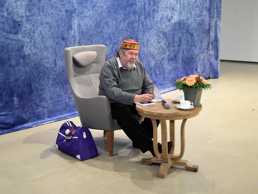 Писатель-фантаст Александр Хакимов представил новую книгу – ФОТО
