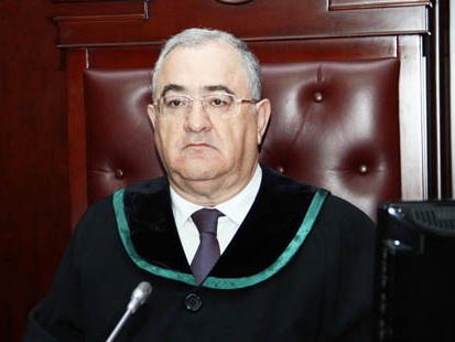 Парламент поддержал переназначение Рамиза Рзаева судьей Верховного суда