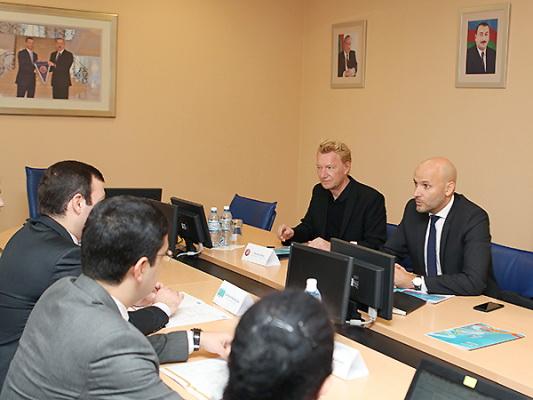 Эльхан Мамедов встретился с представителями УЕФА