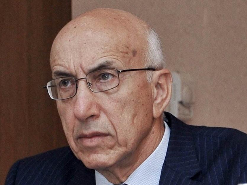 В парламенте возник спор между спикером и председателем комитета
