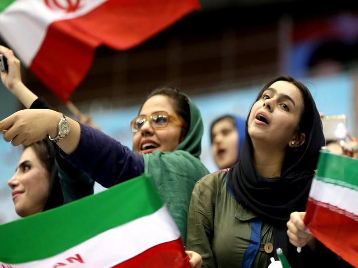 В Иране женщина переоделась мужчиной ради посещения футбольного матча