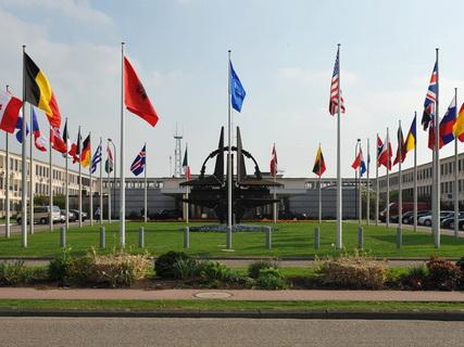 НАТО приветствовала переговоры между Турцией и США по ситуации в Сирии