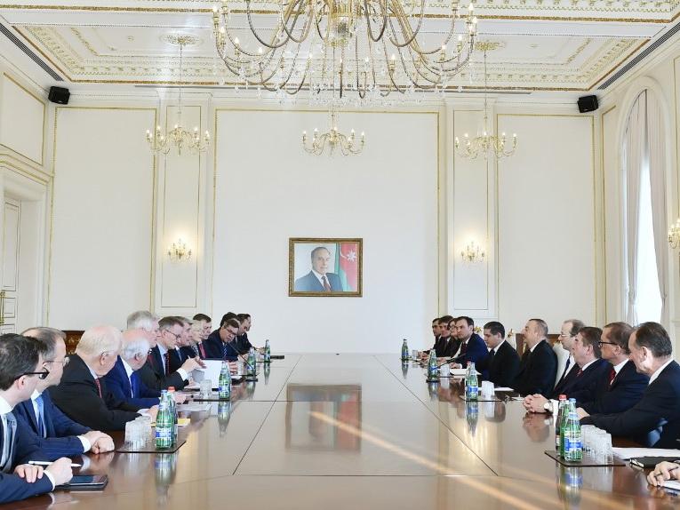 Президент Азербайджана принял делегацию Восточного комитета германской экономики - ФОТО