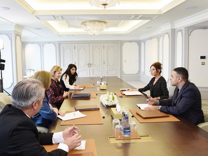 Мехрибан Алиева встретиласьс торговым посланником премьер-министра Великобритании - ФОТО