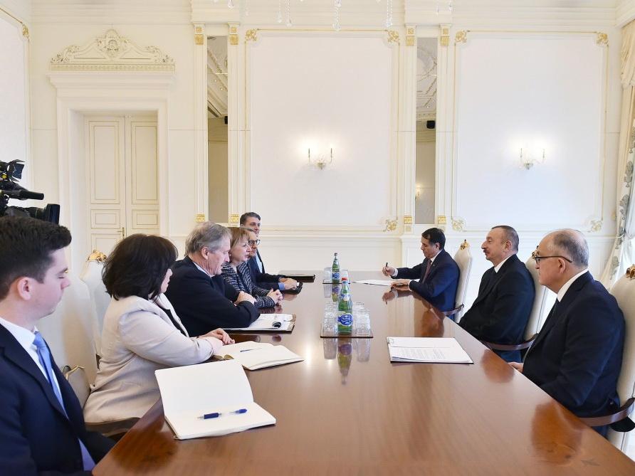 Президент Азербайджана принял делегацию США