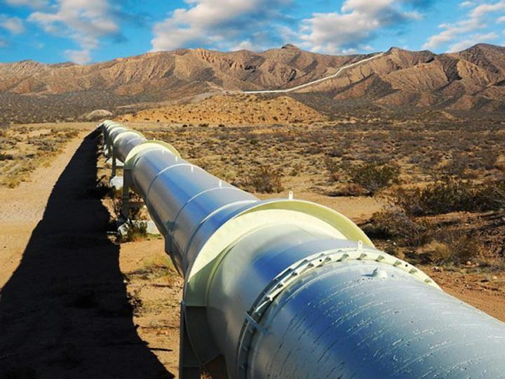 В Баку достигнута договоренность о создании компании по проектированию Ионическо-Адриатического трубопровода