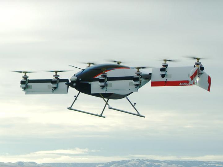 Опубликовано видео испытаний первого в мире летающего такси – ВИДЕО