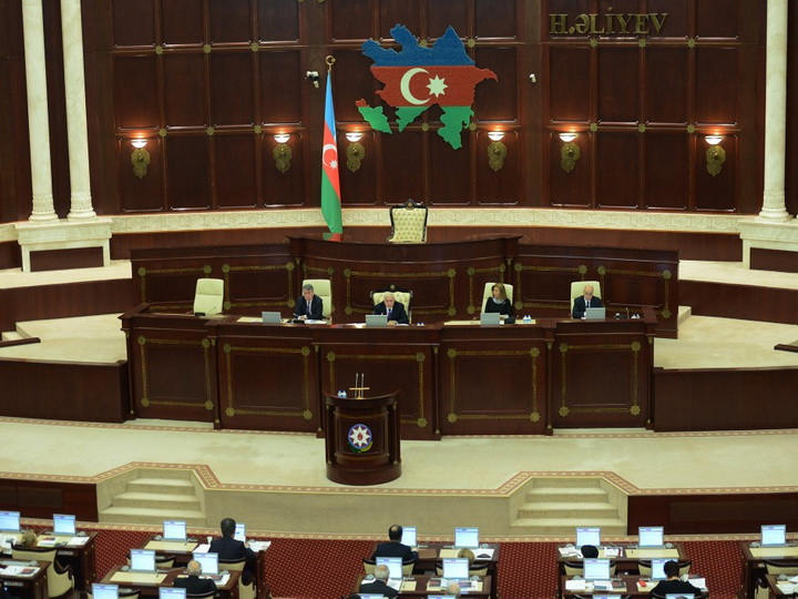 Milli Məclisin növbəti plenar iclasında 19 məsələyə baxılıb
