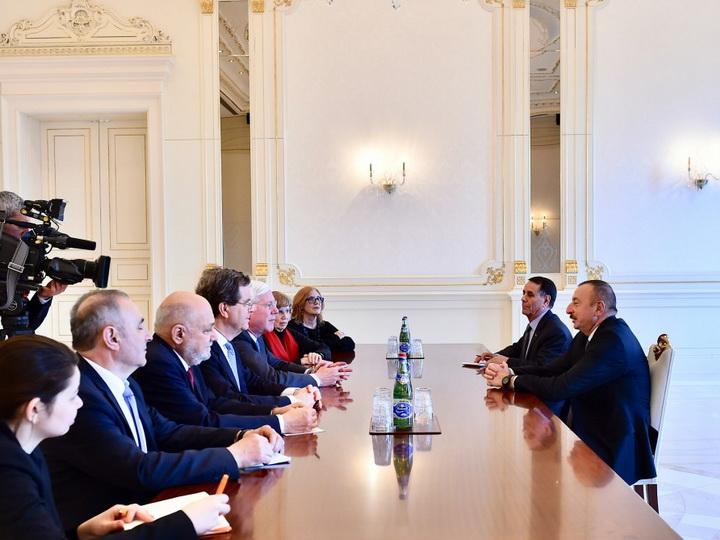Президент Ильхам Алиев принял делегацию во главе с президентом Американского еврейского комитета