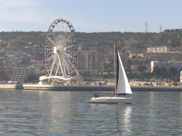 В Баку состоялся парад красивых парусных яхт – ФОТО