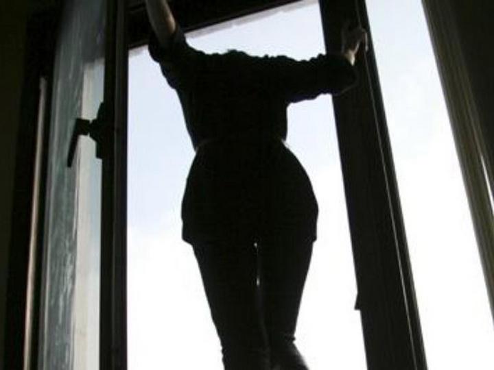 В Загатале 27 летняя девушка совершила попытку самоубийства