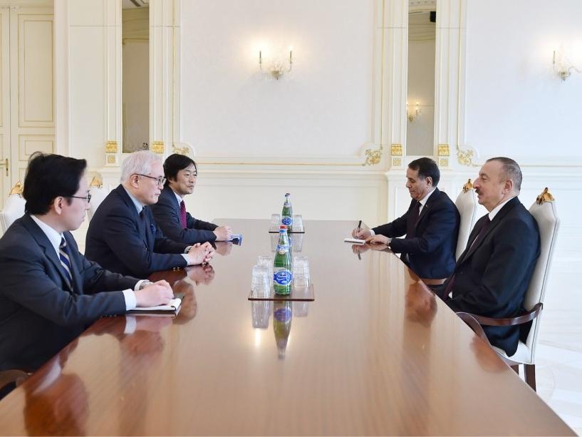 Президент Азербайджана принял советника премьер-министра Японии - ФОТО