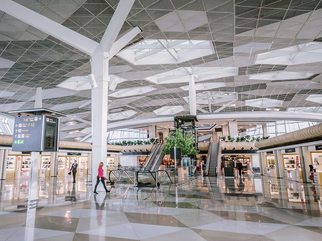 Пассажиропоток через Международный аэропорт Гейдар Алиев вырос на 16%