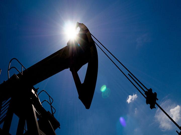 Нефть дешевеет на опасениях роста добычи в США