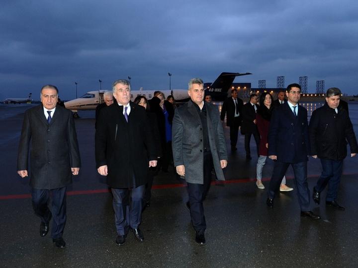 Председатель парламента Монтенегро прибыл с визитом в Азербайджан