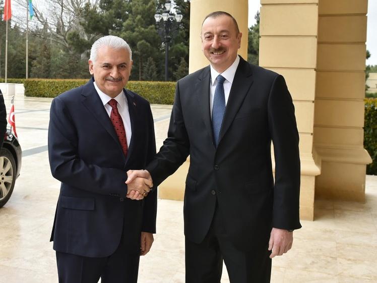 Ильхам Алиев встретился с премьер-министром Турции Бинали Йылдырымом - ФОТО