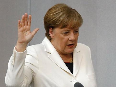 Меркель принесла присягу