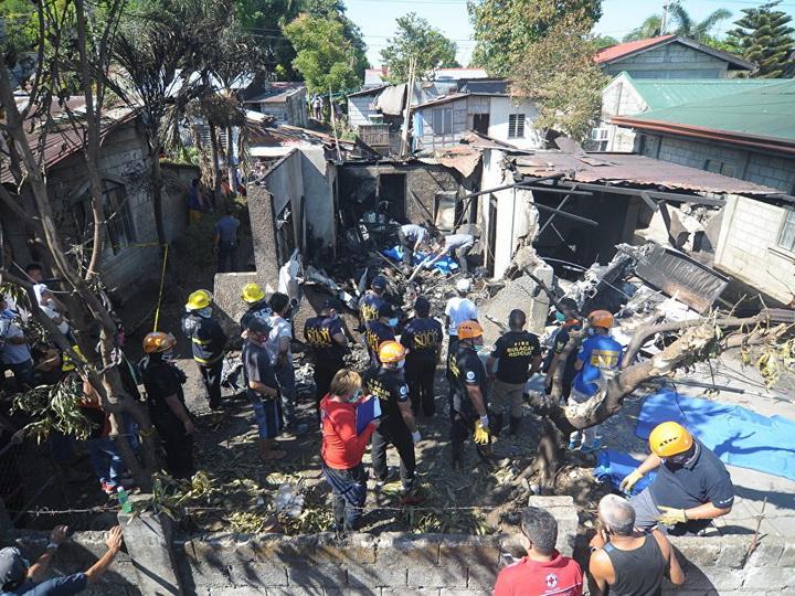 Число жертв крушения самолета на Филиппинах увеличилось до десяти