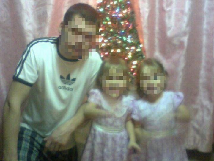 Отец убил двух дочерей-близняшек и покончил с собой