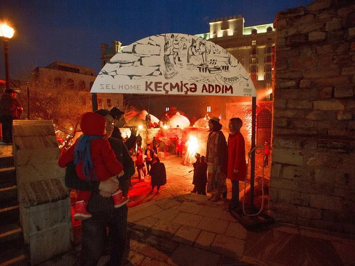 В Ичери шехер открыта выставка, которая предлагает сделать «шаг в прошлое» Баку – ФОТО
