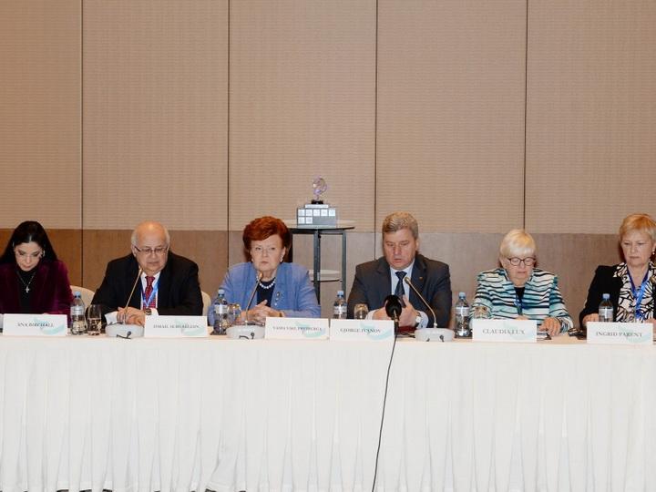 В рамках VI Глобального Бакинского форума прошел Международный книжный саммит - ФОТО