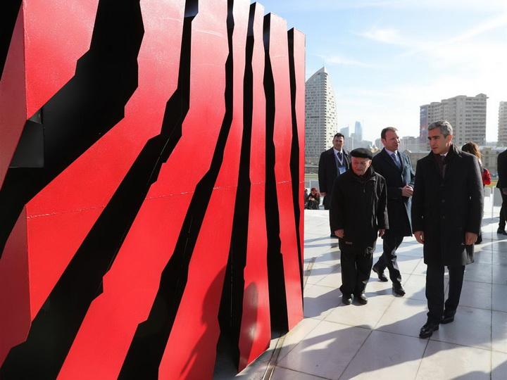 В парке Центра Гейдара Алиева состоялась международная выставка-конкурс - ФОТО