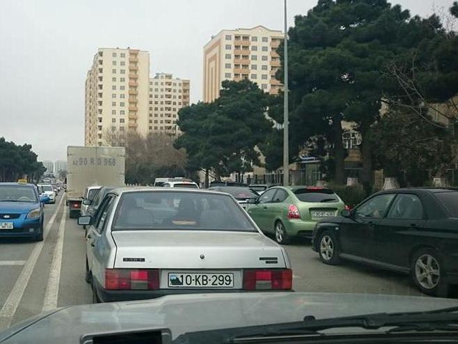 Баку встречает Новрузв одной большой пробке – ФОТО – СПИСОК ЗАКРЫТЫХ ДОРОГ