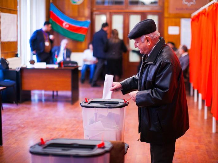 В Азербайджане стартует предвыборная агитационная кампания кандидатов в президенты