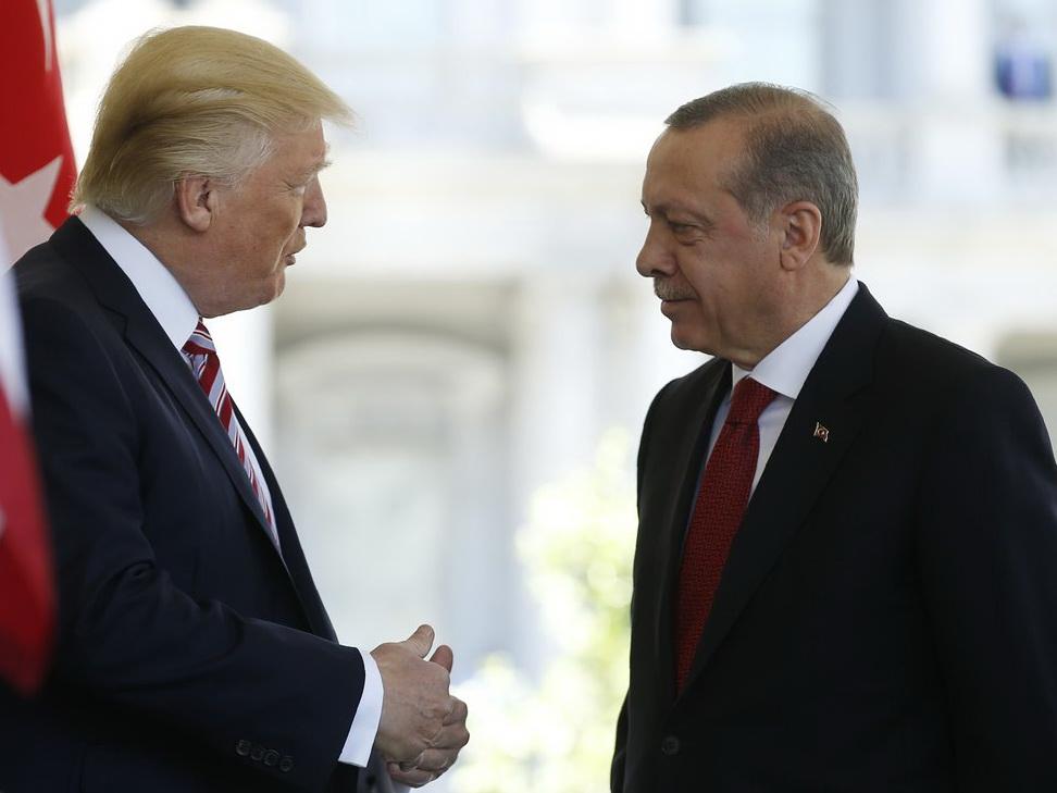 Состоялся телефонный разговор между президентами Турции и США