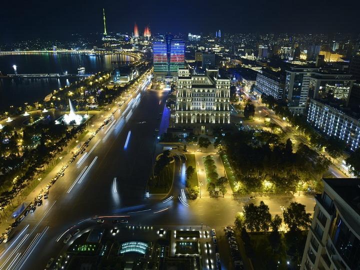 Баку в пятерке лучших городов СНГ для весеннего путешествия
