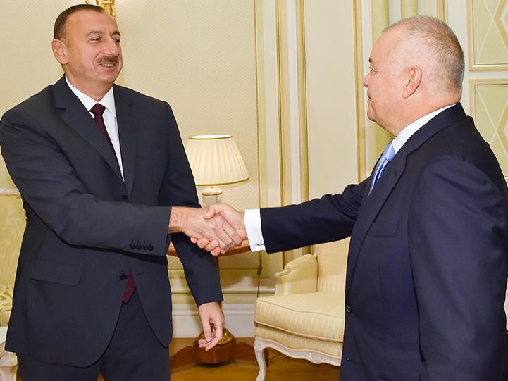 Баку играет «в долгую»: Киселев рассказал об отношении Алиева к партнерам Азербайджана