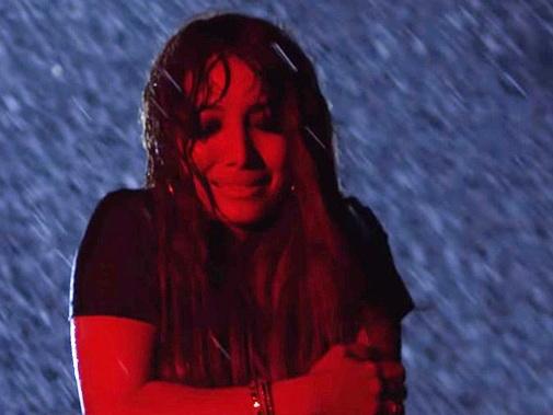 Гюнай Ибрагимли промокла под ледяным дождем на съемках нового клипа - ВИДЕО