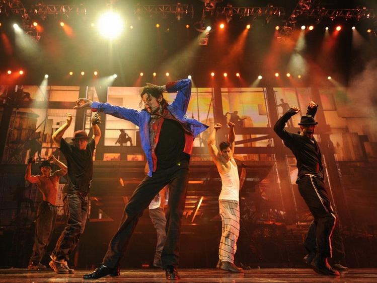 Туфли для первой «лунной походки» Майкла Джексона выставили на продажу в США