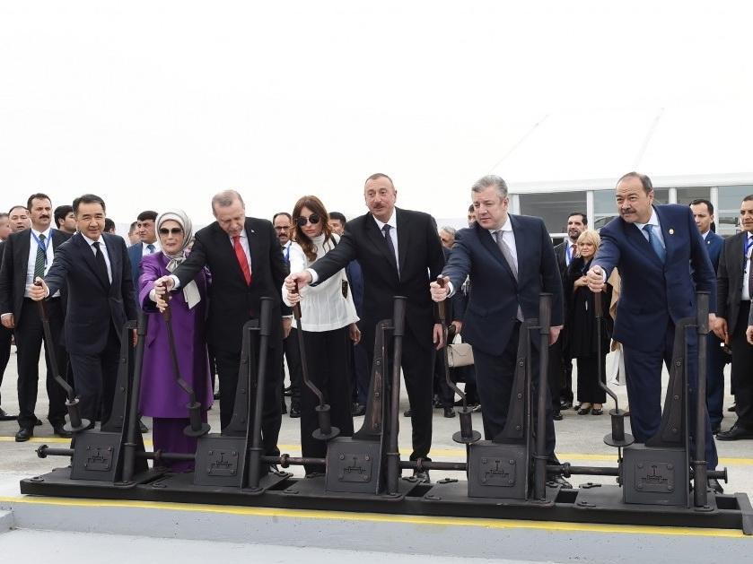 Эксперт: Внимание и воля Президента Азербайджана позволяют реализовать крупные транспортные проекты