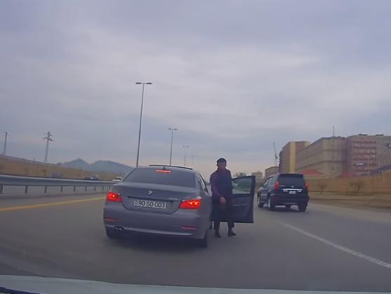 В Баку задержан водитель BMW, выехавший на «встречку» и устроивший гонки на трассе - ВИДЕО– ОБНОВЛЕНО