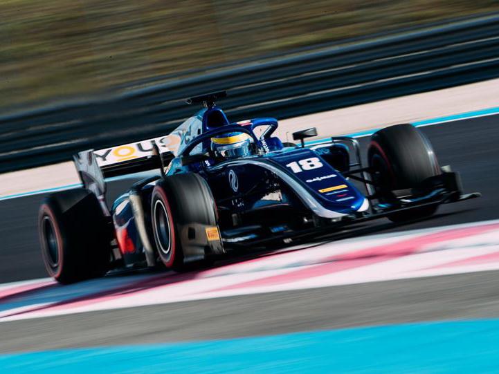 Артем Маркелов и Ландро Норрис поборются за победу в Баку в рамках Формулы 2