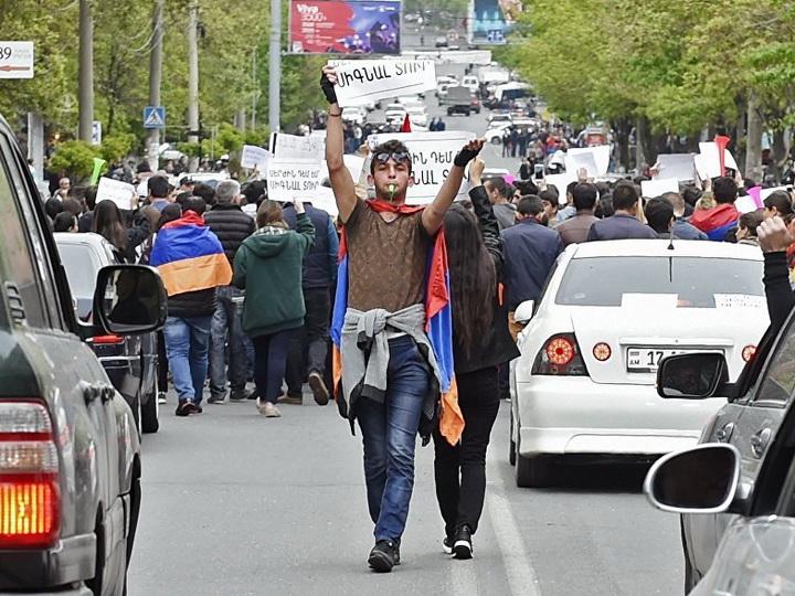 Азербайджан и Армения: стабильность против смуты