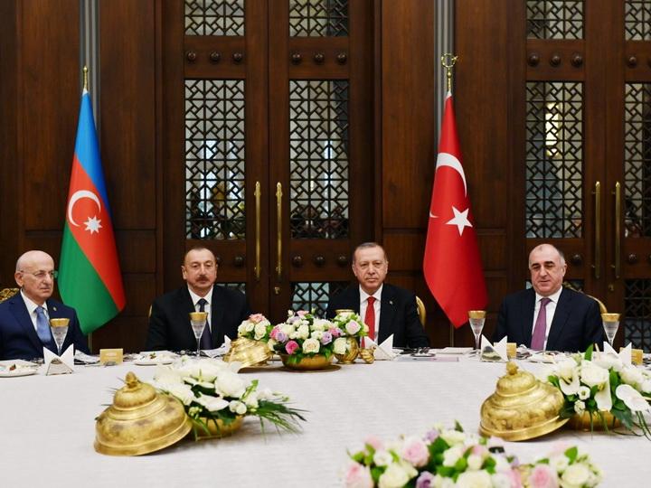 От имени ПрезидентаТурции был дан официальный обед в честь Президента Ильхама Алиева - ФОТО