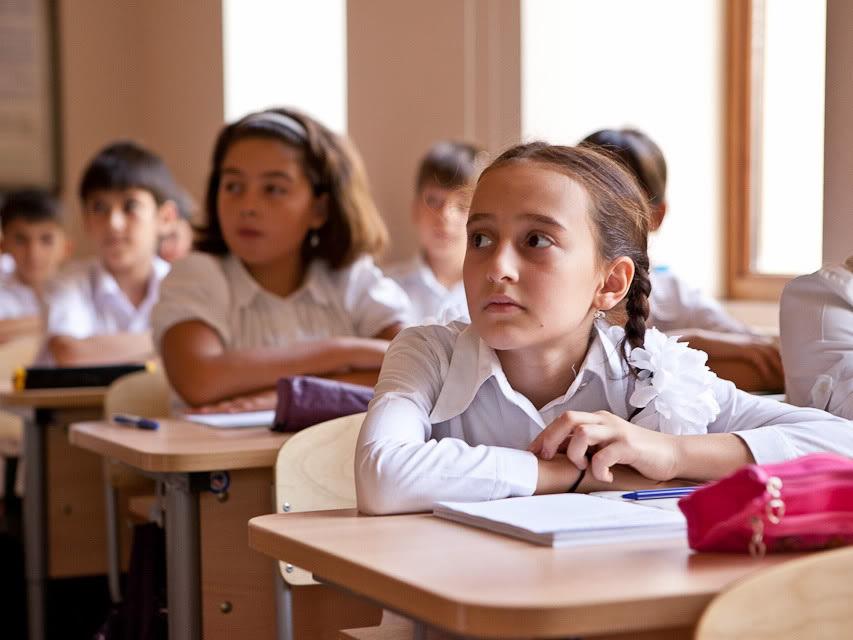 Перенесены весенние каникулы в ряде бакинских школ
