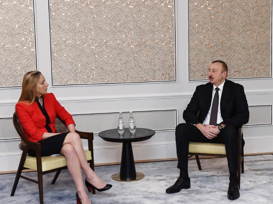 Состоялась встреча Ильхама Алиева с государственным министром Великобритании по торговле и поощрению экспорта – ФОТО