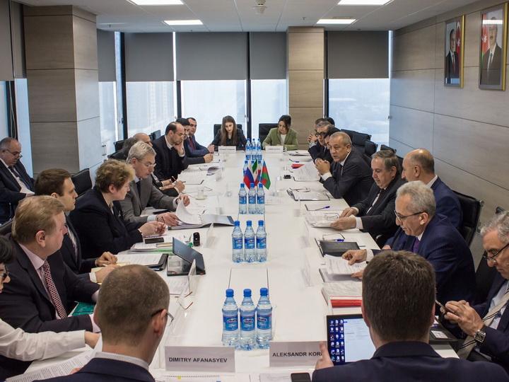 В Баку обсуждена интеграция электроэнергетических сетей Азербайджана, Ирана и РФ - ФОТО