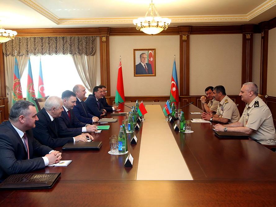 Азербайджан и Беларусь определили направления реализации новых крупных проектов по повышению боеспособности азербайджанской армии